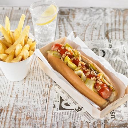 Hot Dog con pepinillos