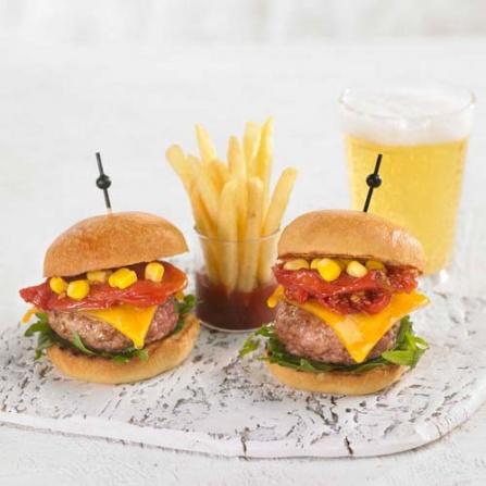 Mini Burger de carne y tomate confitado